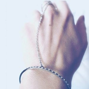 Jewelry - 🆓🎁 Trendy Rhinestone Paved Cuff Link Ring
